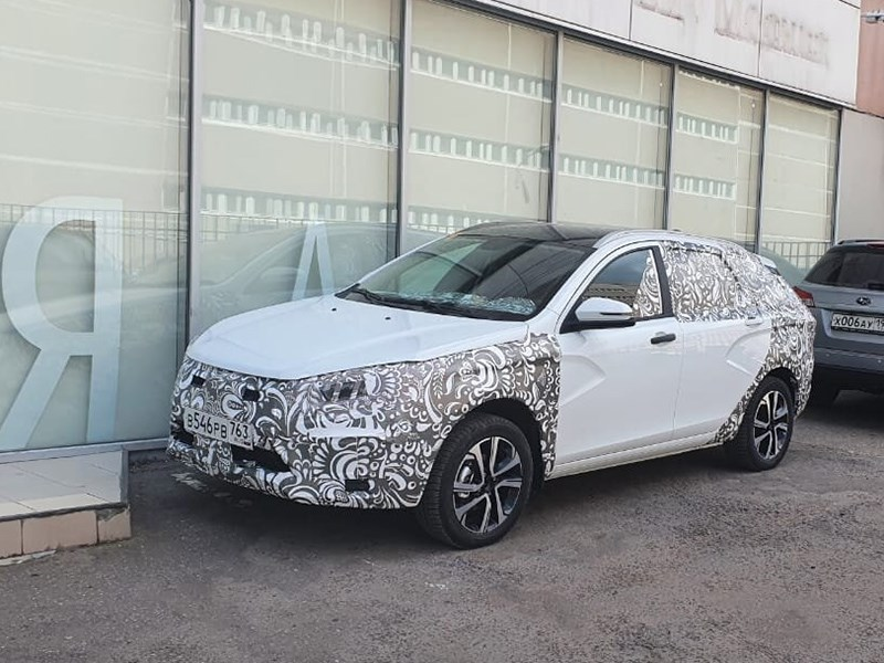 Новую Lada Vesta заметили на тестах