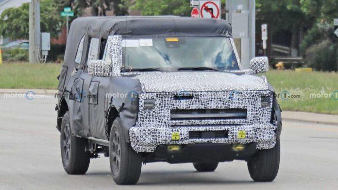 Ford начал тестировать гибридный Bronco