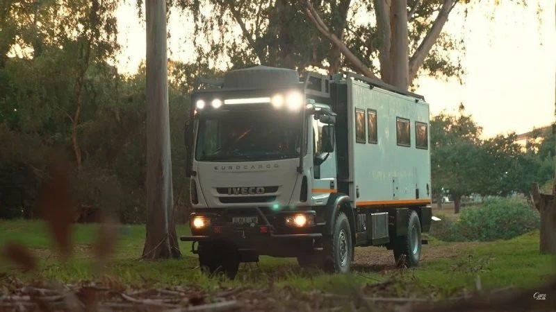 Iveco Overlander - автодом для путешествия на край света (1 фото + 1 видео)