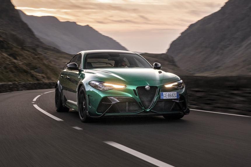 Stellantis поделился планами на Alfa Romeo, Jeep, Dodge, DS и Lancia (5 фото)